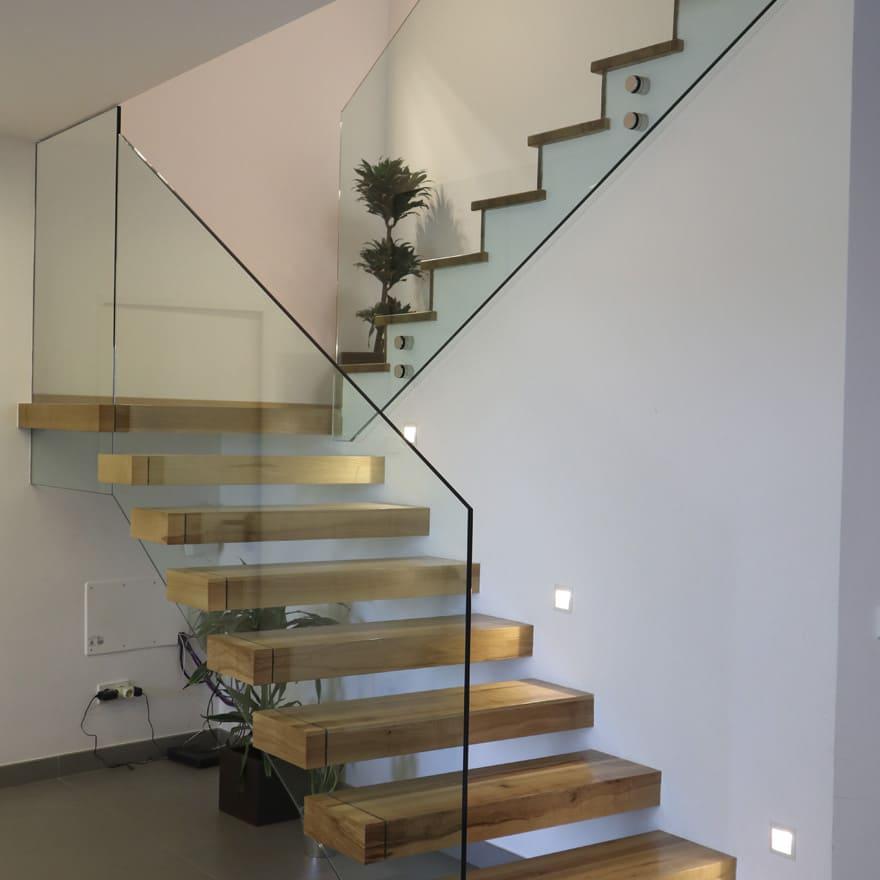 Zona escalera interior vivienda unifamiliar